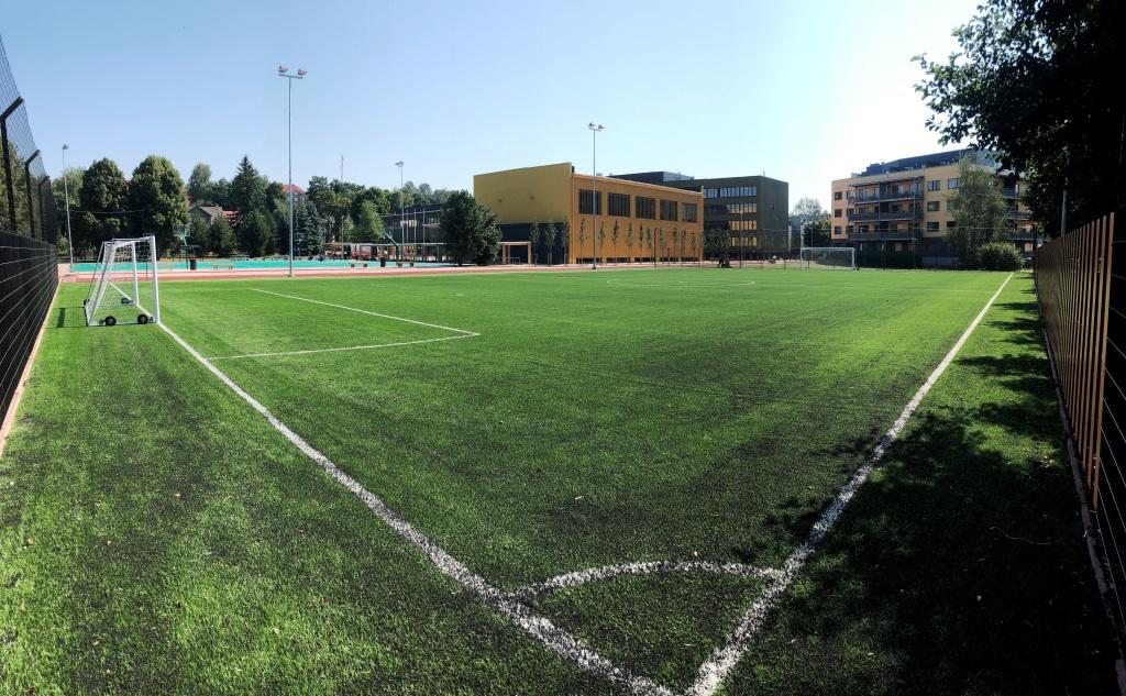 Tartu Raatuse kooli jalgpalliväljak (2018)